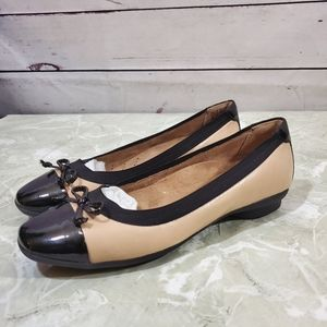 Clarks Leather Ballet Flats Sz 5M